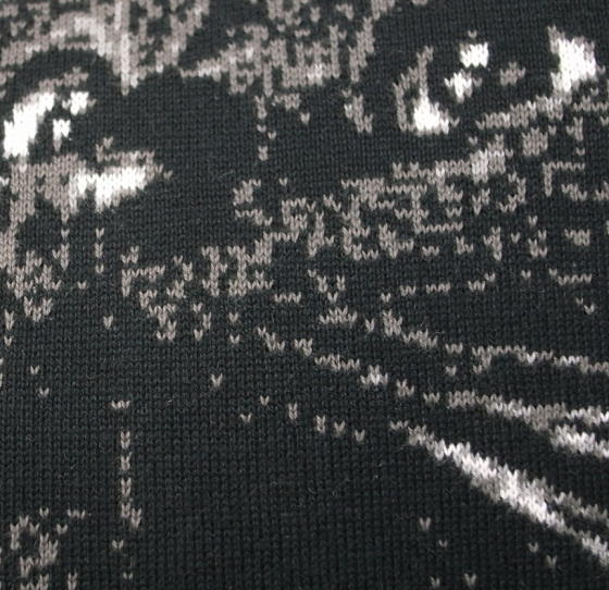 黒猫のニット